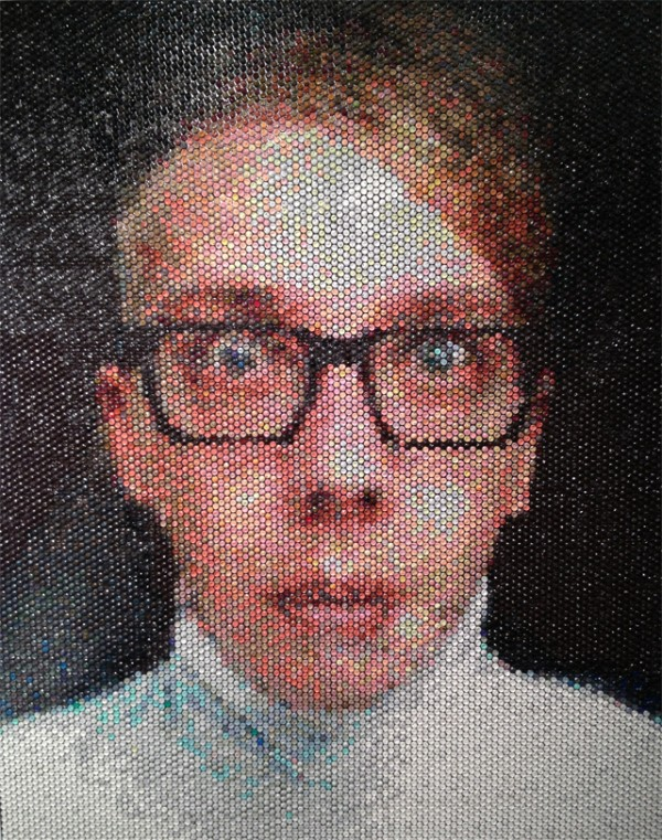 Portraits Made by Injecting Bubble Wrap with Paint: Bradley-Hart-Bubble-Wrap-Paintings-4-600x761.jpg