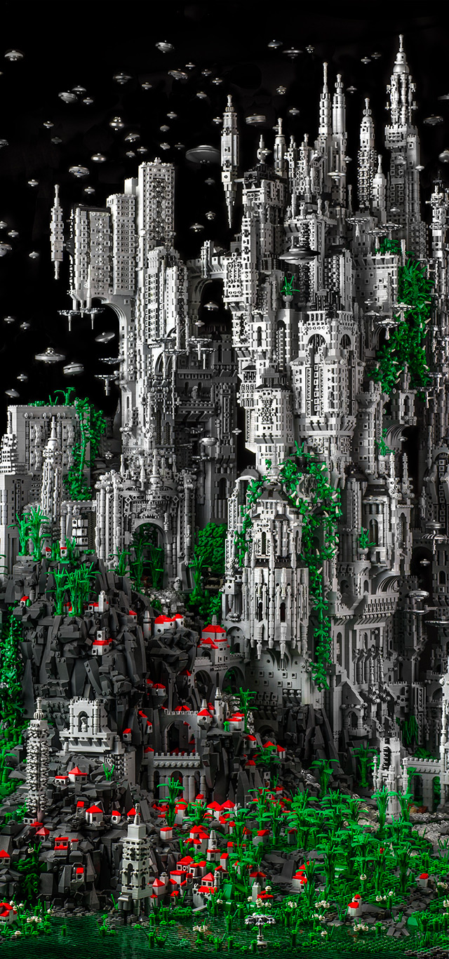 Mike Doyle Creates a 200,000 Piece Sci-Fi LEGO Sculpture: doyle-2.jpg