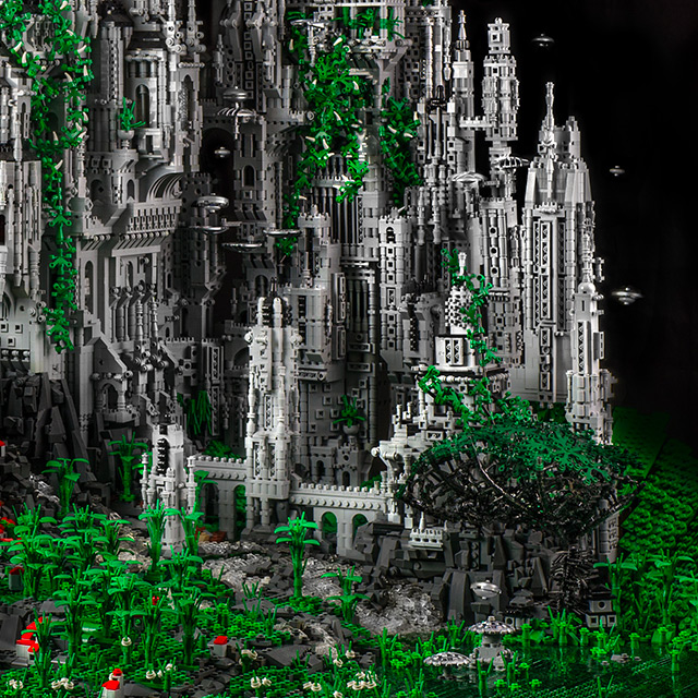Mike Doyle Creates a 200,000 Piece Sci-Fi LEGO Sculpture: doyle-4.jpg