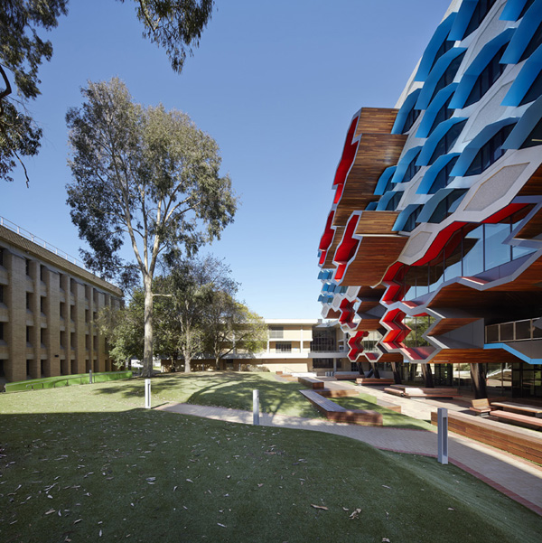 La trobe institute for molecular science: jux_arch5.jpg