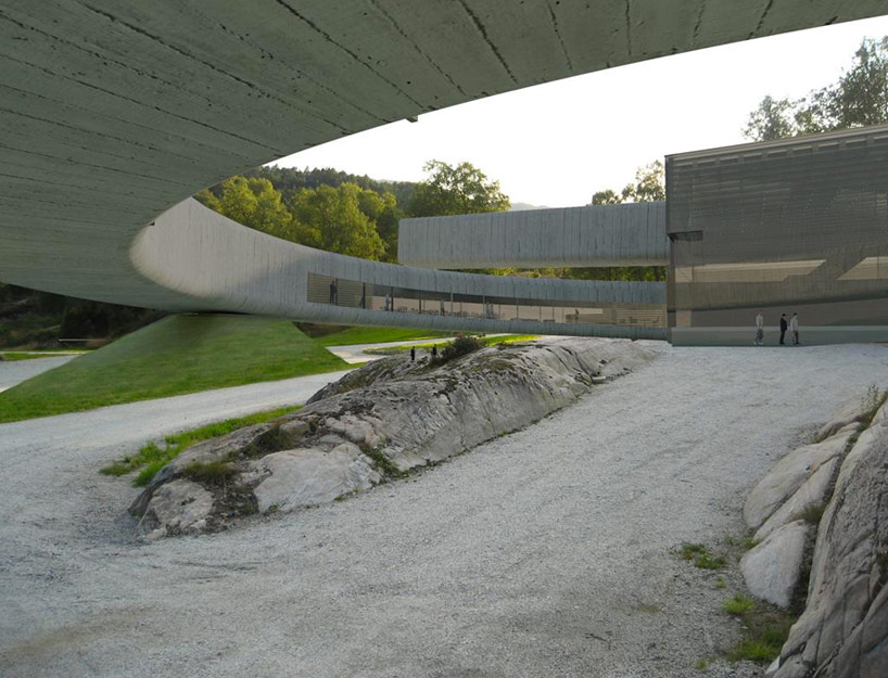 Winding Concrete Cultural Center in Norway: gulatinget_04.jpg