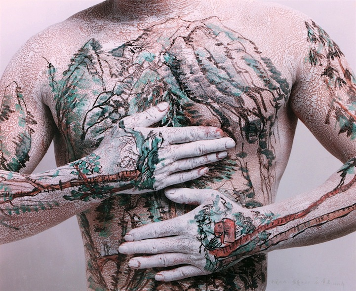 Huang Yan Paints Song Dynasty Landscapes on the Human Body: huangyanchineselandscapes3.jpg