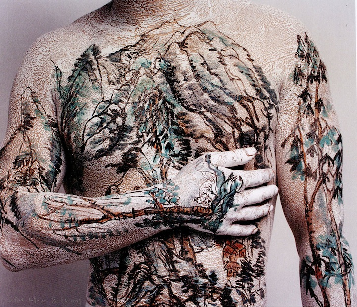 Huang Yan Paints Song Dynasty Landscapes on the Human Body: huangyanchineselandscapes4.jpg