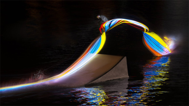 Light Painting with a Wakeboard: wake-2.jpg