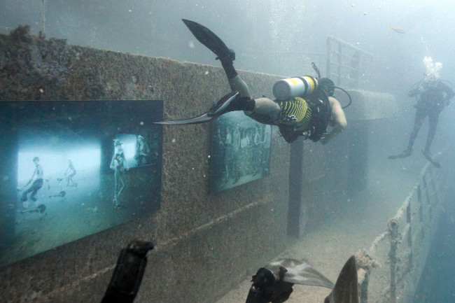 Andreas Franke's 'The Sinking World' @ An Underwater Gallery: 24.27 N, 81.44 W: Andreas-Franke2-650x433.jpg