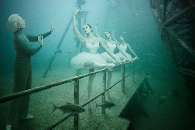 Andreas Franke's 'The Sinking World' @ An Underwater Gallery: 24.27 N, 81.44 W: Andreas-Franke7-650x433.jpg