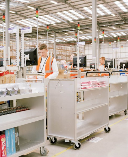 Photographs of an Amazon Fulfillment Warehouse by Ben Roberts: br_amazon05-e1360777878335.jpg
