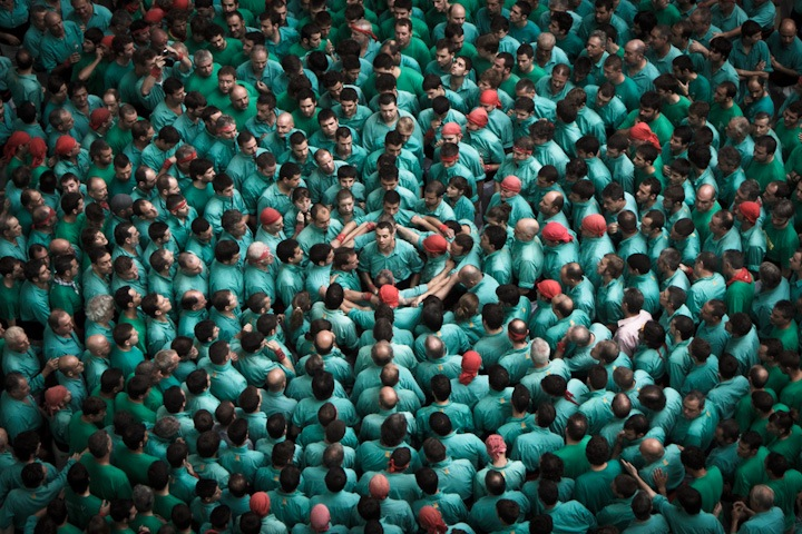 "Photographs of ""The Human Towers"" by David Oliete: human-towers02.jpg"