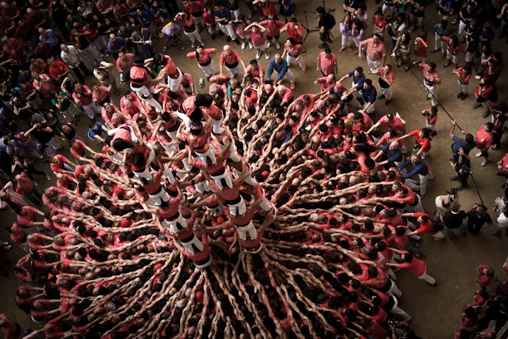 "Photographs of ""The Human Towers"" by David Oliete: human-towers03.jpg"