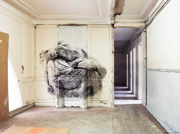 Street Artists Given Run of Condemned Les Bains Nightclub: YZ_Bains-douches-bureaux-credit-Jerome-Coton-courtesy-galerie-Magda-Danysz-8bd-600x448.jpg