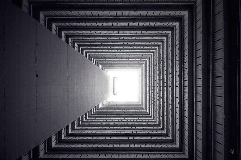 """Vertical Horizon,"" photographs by Romain Jacquet-Lagreze: verticalLandscapes05.jpg"