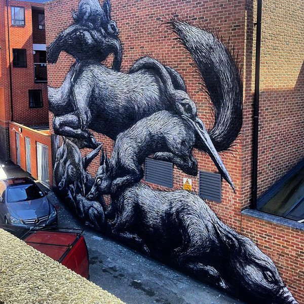 New Roa mural in London, UK: jux_roa1.jpg