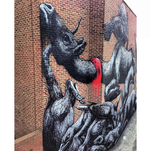New Roa mural in London, UK: jux_roa2.jpg