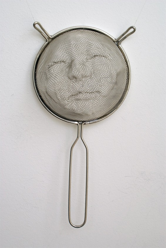 Strainer Shadow Art by Isaac Cordal: Isaac-Cordal-sculpture7.jpg