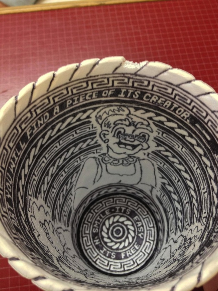 Anonymous Artist Leaves Behind Incredibly Detailed Styrofoam Cup Doodle: styrofoamcupdoodleart8.jpg