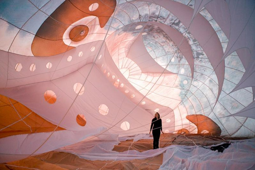 """The Skywhale"" Hot Air Balloon by Patricia Piccinini: designboom-skywhale-patricia-piccinini06.jpg"