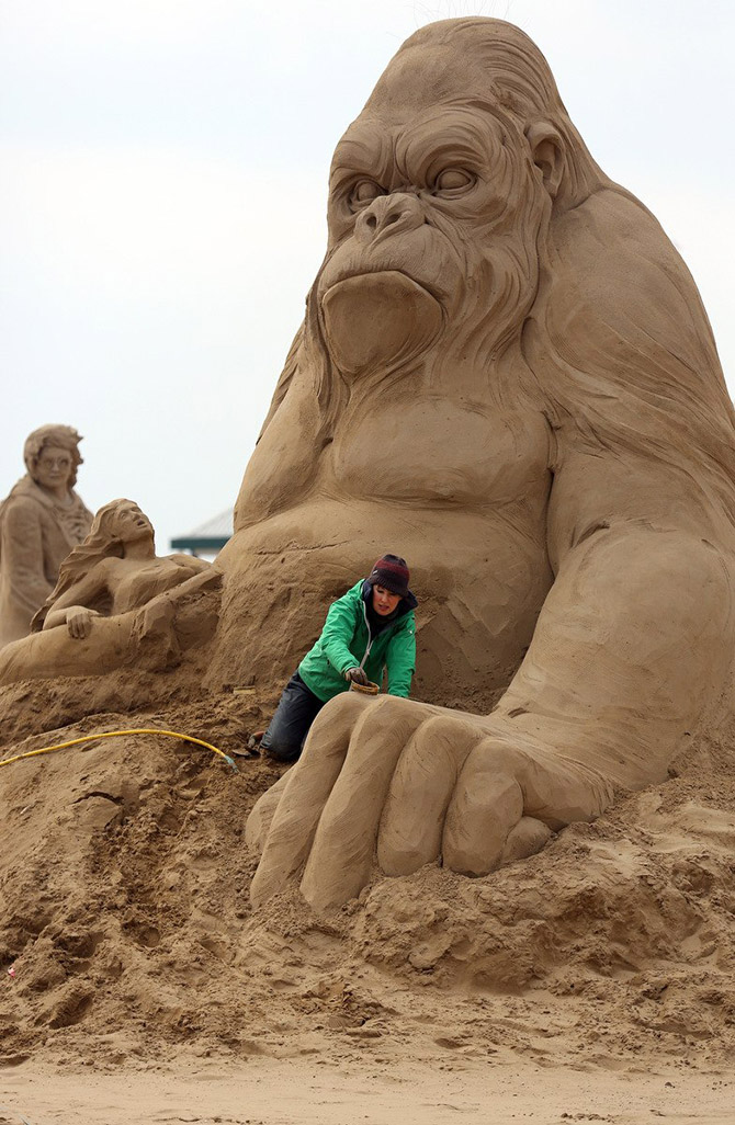 Sand Sculpture Festival in North Somerset, England: sand-sculpture-festival-england-12.jpg