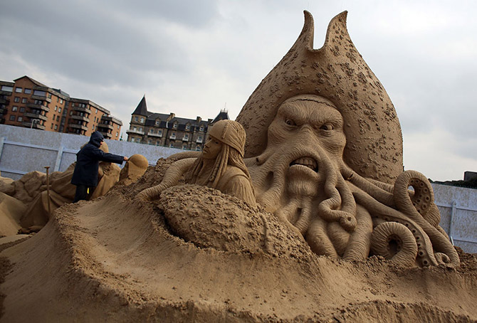 Sand Sculpture Festival in North Somerset, England: sand-sculpture-festival-england-19.jpg