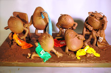 Butter and Other Food Sculptures by Jim Victor and Marie Pelton: 1410sunbathers72_t.jpg