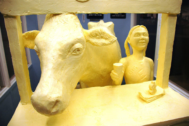 Butter and Other Food Sculptures by Jim Victor and Marie Pelton: BigE2012girl1-650x432.jpg