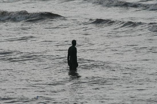 """Another Place,"" 100 Cast Iron Sculptures by Antony Gormley: antonygormleyanotherplace8.jpg"