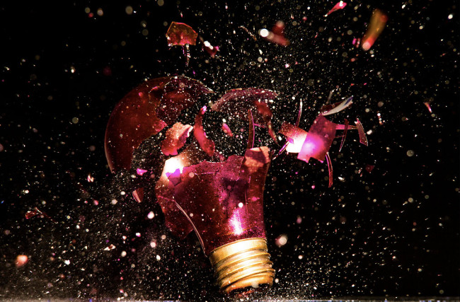 Photographs of Paint and Objects Exploding out of Light Bulbs : Jon-Smith-8-650x427.jpg