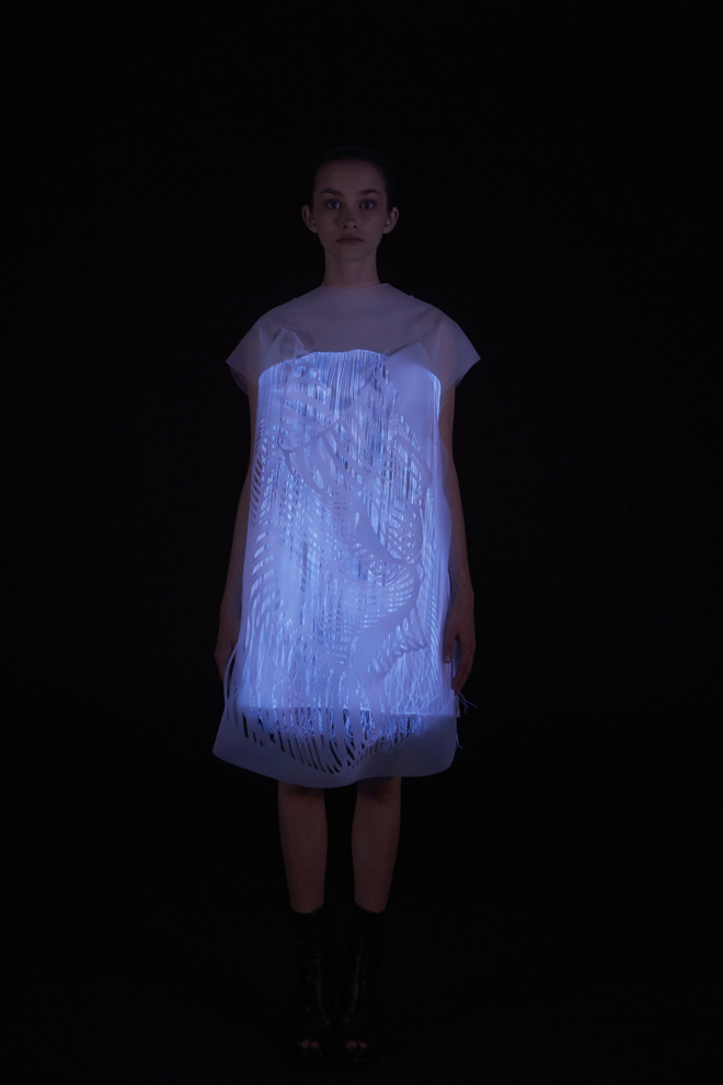 Ying Gao's Photoluminescent Eye Tracking Dresses: 4-nowhere-nowhere-2-gaze-activated-dresses-by-ying-gao.jpg