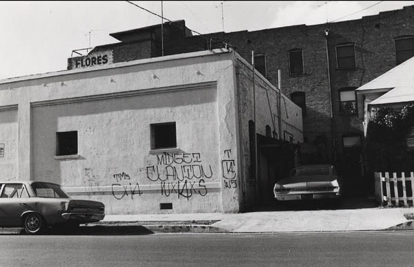 FRIDAY SPOTLIGHT:  70s Los Angeles Chicano gang graffiti photography by Howard Gribble: jux_howard_gribble12.jpg