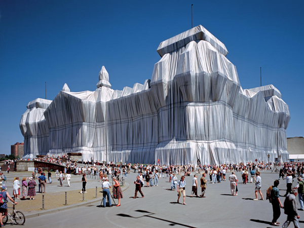 The Environmental art of Christo and Jeanne claude: jux_christo_jeanne_claude11.jpg