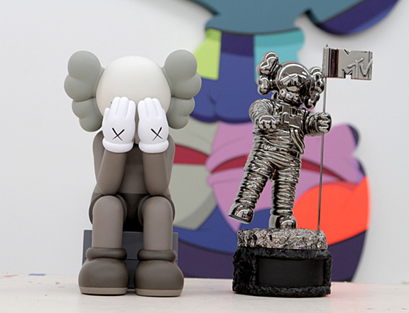 Kaws Reimagines Iconic MTV Video Music Awards' Moonman: kaws-moonman-1.jpg
