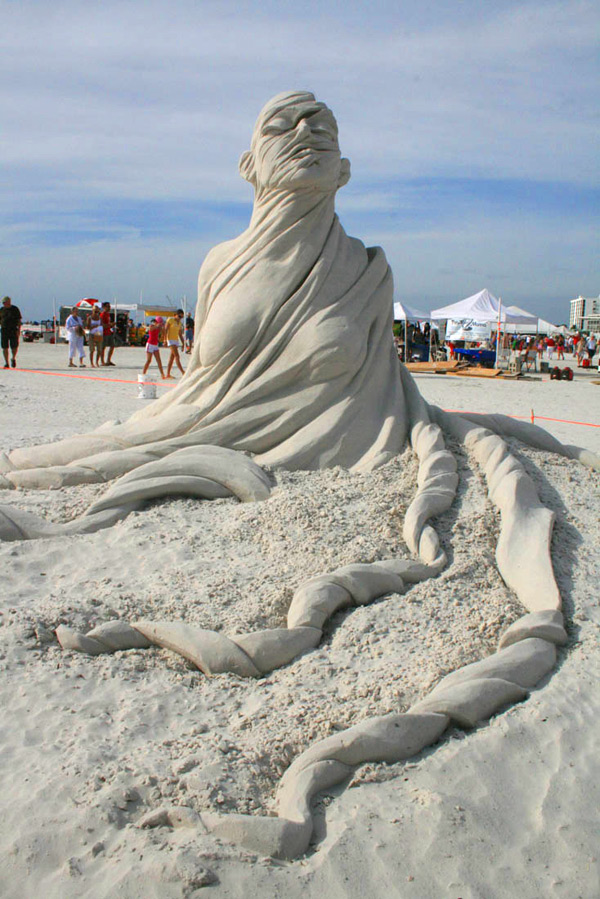 Sand Sculptures by Carl Jara (Video): sand-5.jpg