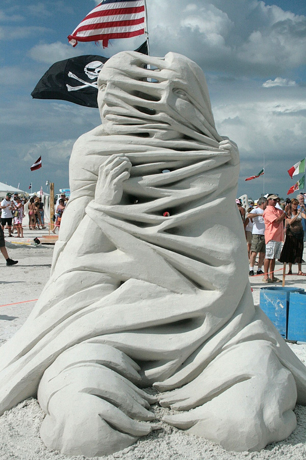 Sand Sculptures by Carl Jara (Video): sand-6.jpg