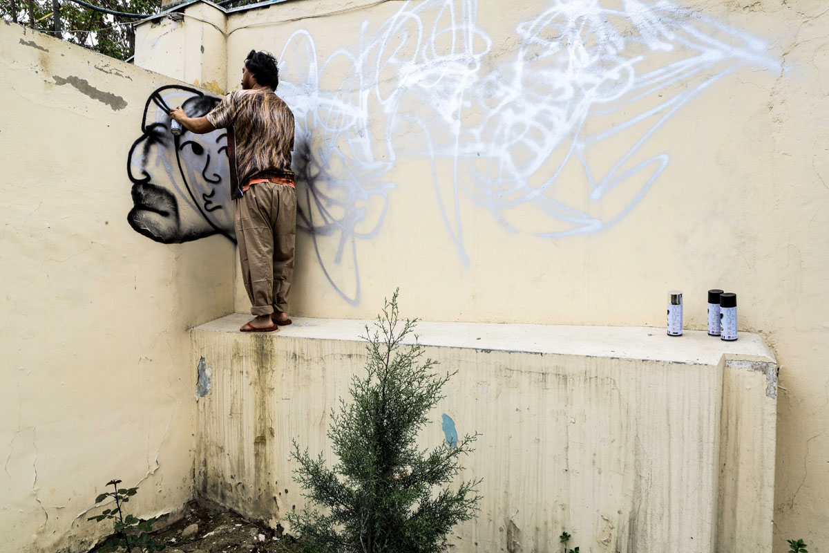 David Choe: Afghanistan Tour Diary, the Outtakes: 257B5132.jpg