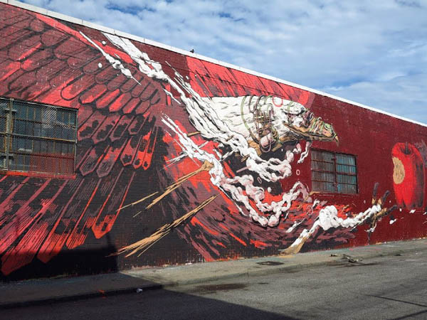 Smithe paints a dizzying mural in Brooklyn: jux_smithe1.jpg