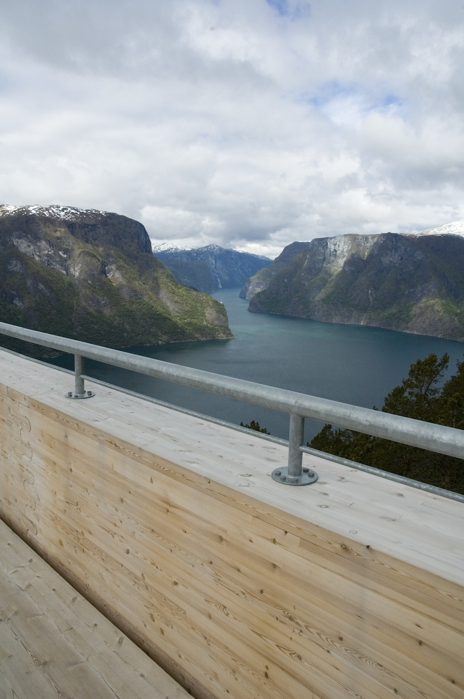 'Aurland Look Out' by Todd Saunders and Tommie Wilhelmsen: aurland_01.jpg