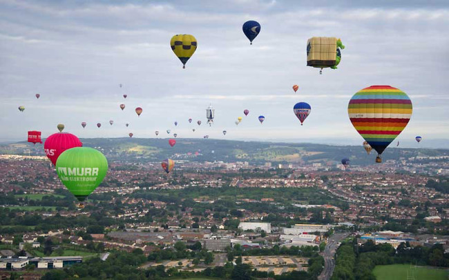 The Bristol International Balloon Fiesta: balloon1_2640613k-650x406.jpg