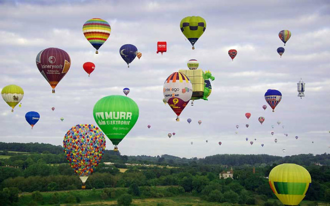 The Bristol International Balloon Fiesta: balloon4_2640610k-650x406.jpg