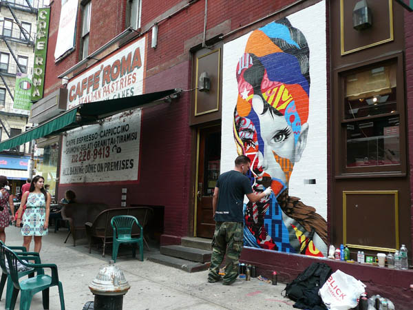 Tristan Eaton paints Audrey Hepburn for The LISA Project : jux_trsitan_eaton1.jpg