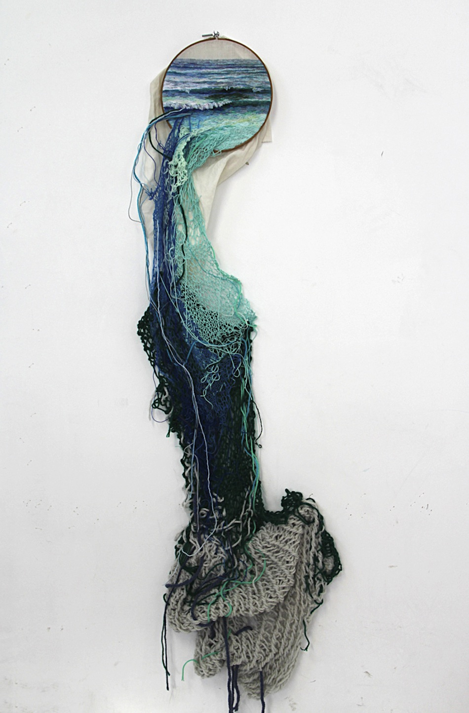 More Embroidery Work from Ana Teresa Barboza: AT_06.jpg