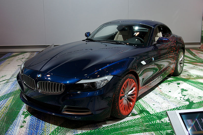The BMW Art Car: 800px-BMW_Z4_2009_NY_2.jpg
