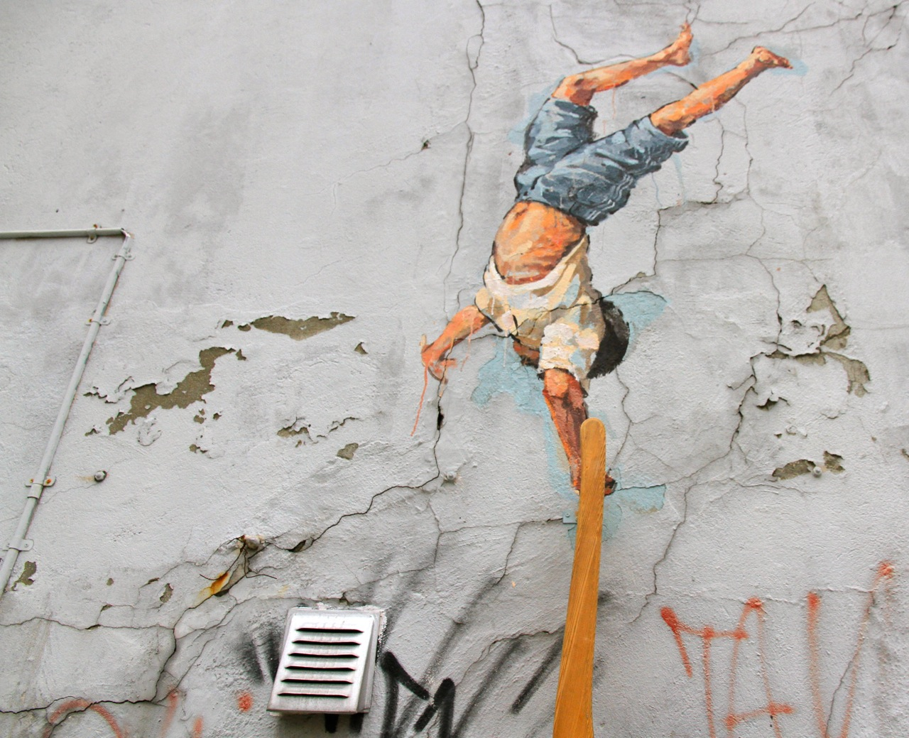 Nuart 2013: Street Pieces, Part 1: Ernest Zacharevic IMG_1312.jpg