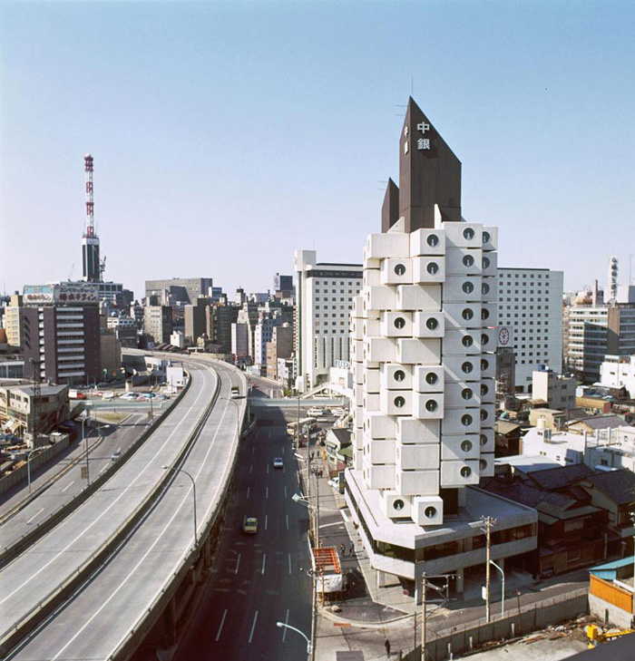 Kisho Kurokawa's Nakagin Capsule Tower: nakagin12.jpg