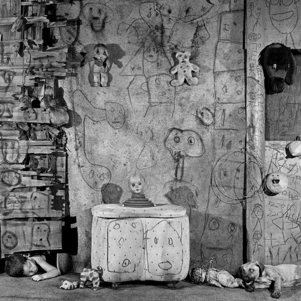 The Photography of Roger Ballen: boarding_house_2008_0-610x610.jpg