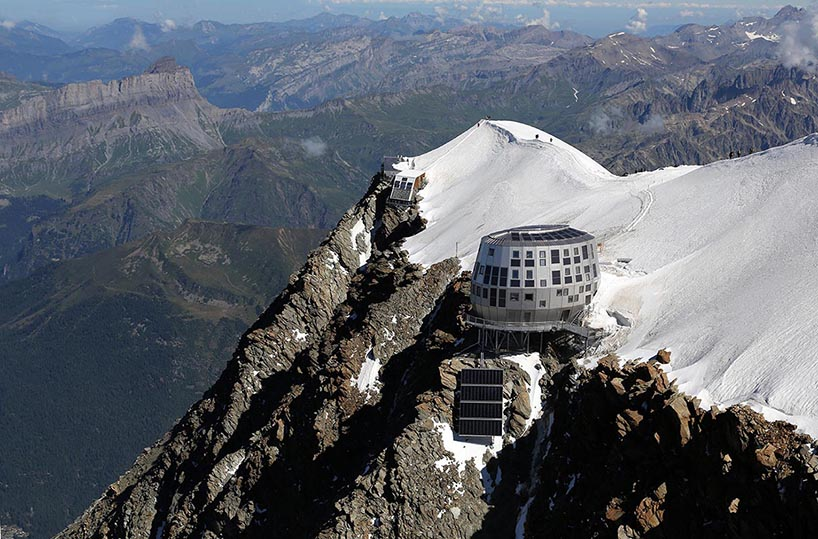 Mountain Hut Located on Europe's Highest Peak: img_2_1379004344_182306a5be7304a98c10dc3dc8a2d118.jpg