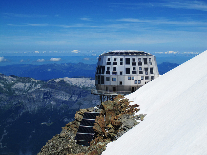 Mountain Hut Located on Europe's Highest Peak: img_3_1379004344_e8798b172f88ec7059d27e0dae3e5630.jpg