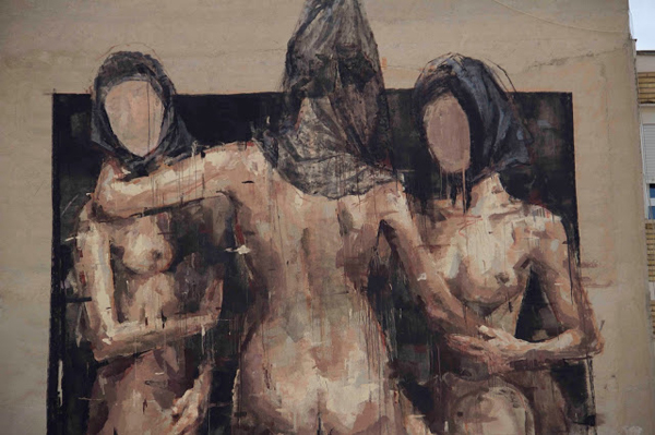 Three nude women by Borondo in Blanca, Spain: jux_borondo4.jpg