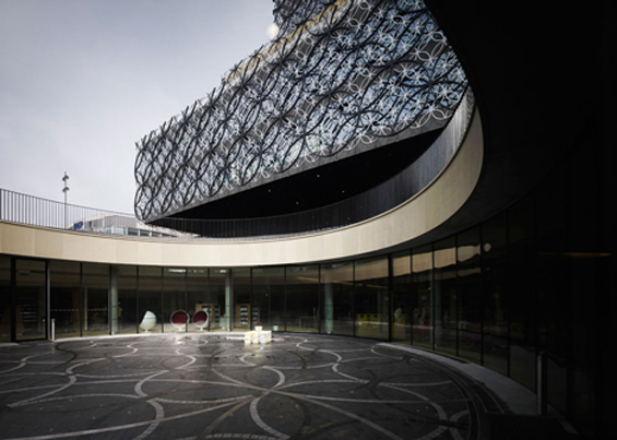 Birmingham, England Gets a Beautiful New Library : dezeen_Library-of-Birmingham-by-Mecanoo_24.jpg