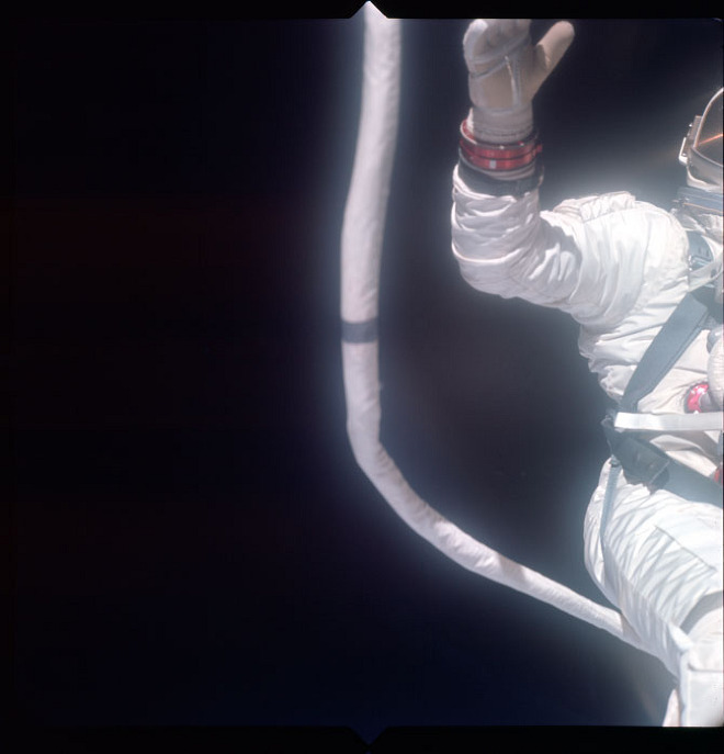 Gemini: The Outtakes from Space: gemini-10_660.jpg