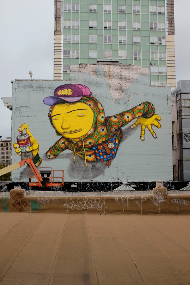 Os Gemeos repaints roof in San Francisco: osgemeos_1.jpg