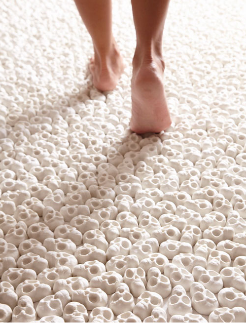 Gallery Floor Covered in 100,000 Porcelain Skulls: Screen shot 2013-09-22 at 8.53.40 PM.png